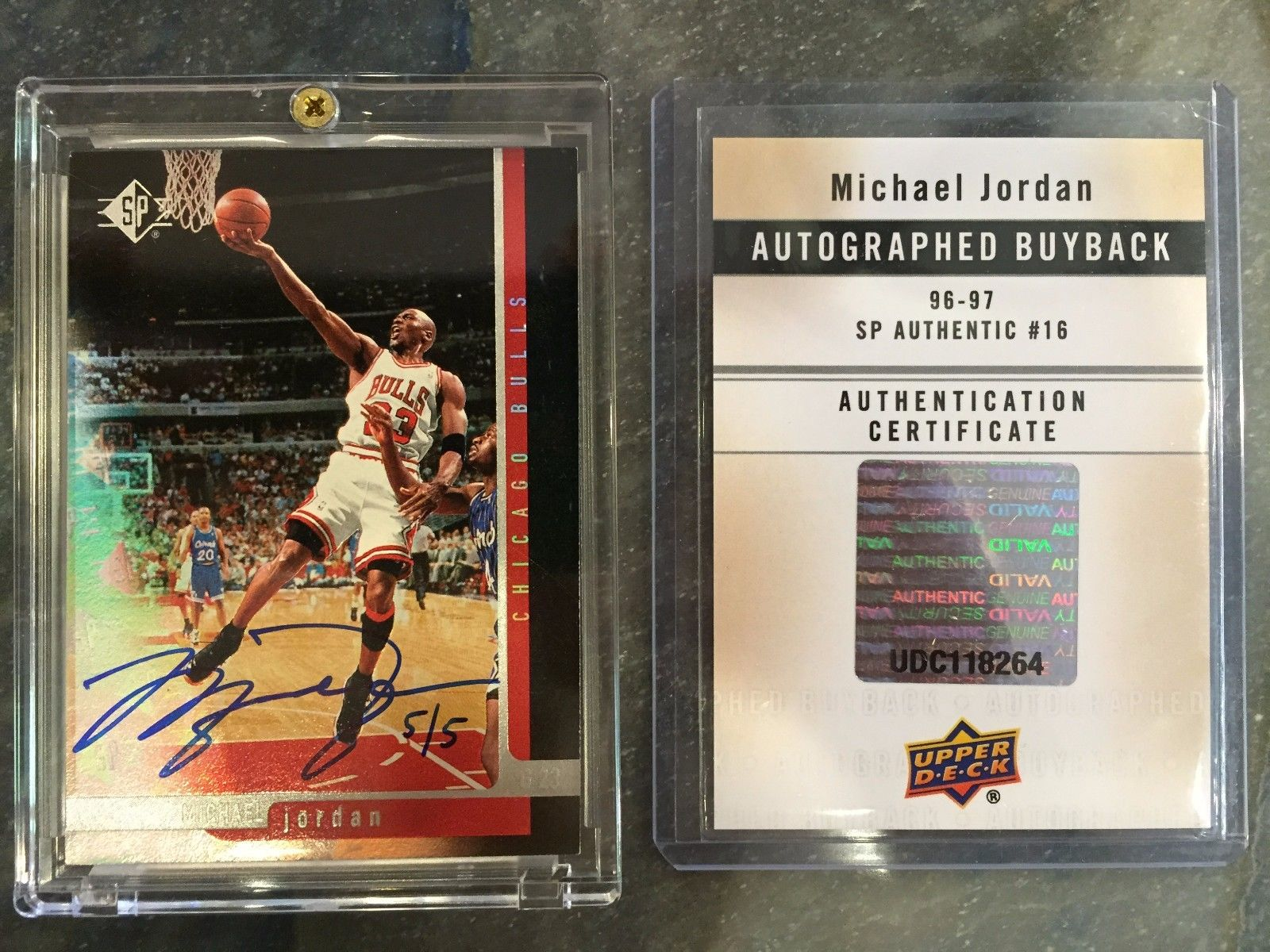 1996 1997  SP Authentic Buyback michael jordan Autograph Signature