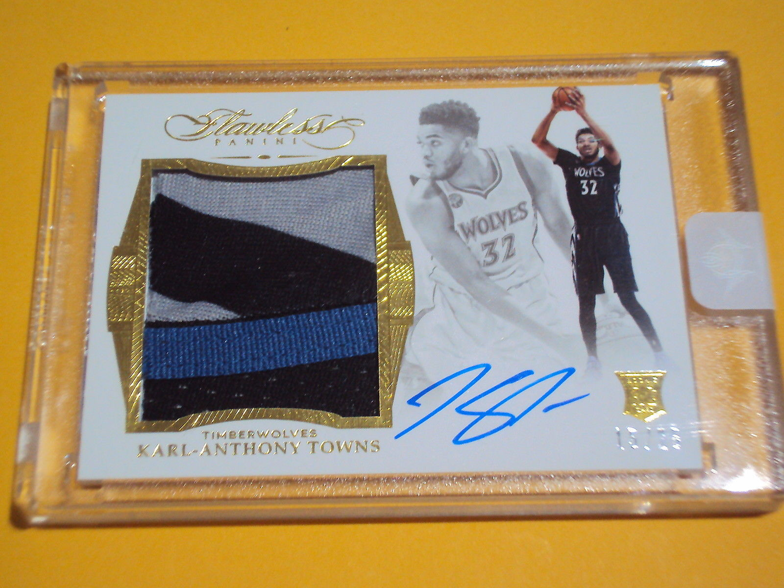 201516 PANINI FLAWLESS ROOKIE PATCH AUTO KARL ANTHONY TOWNS 15 OF 25