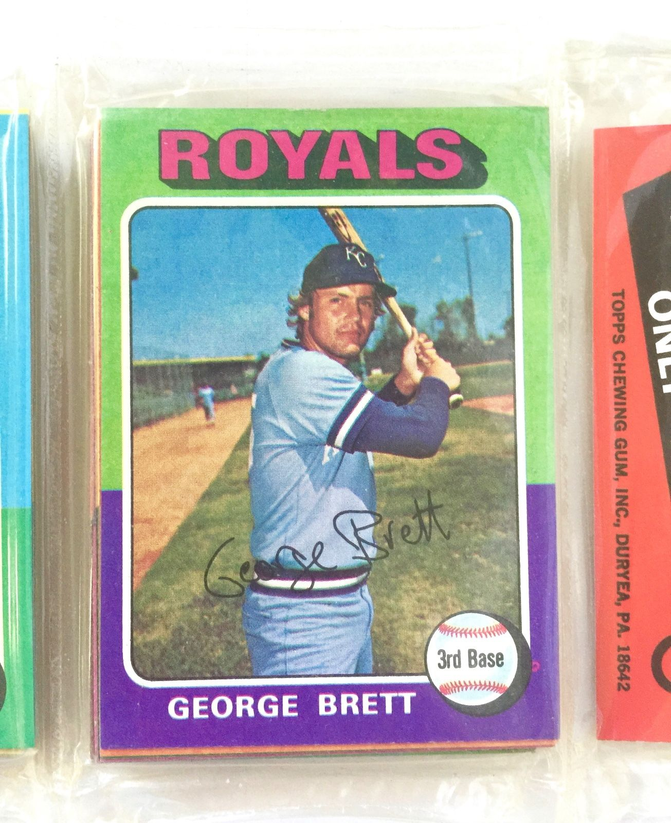 1975 TOPPS UNOPENED RACK PACK WITH GEORGE BRETT ROOKIE CARD  CHARITY AUCTION